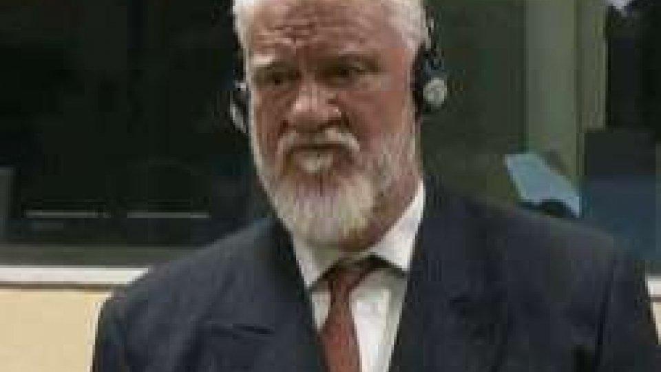 Il generale Praljak al TpiEx Jugoslavia: l'imputato Gen. Praljak beve veleno dopo condanna del Tribunale penale internazionale