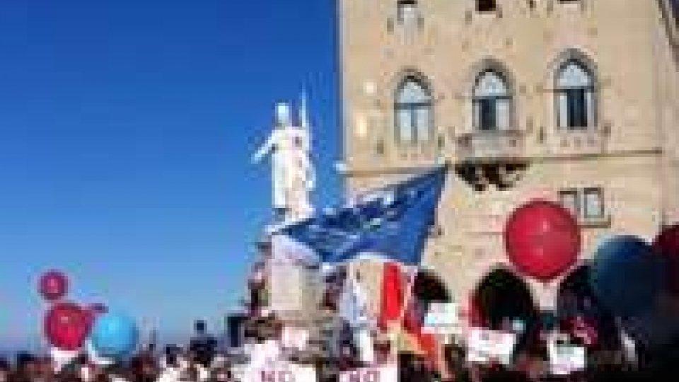 Consiglio: alcuni parlamentari aggrediti dai manifestanti all'uscita da Palazzo