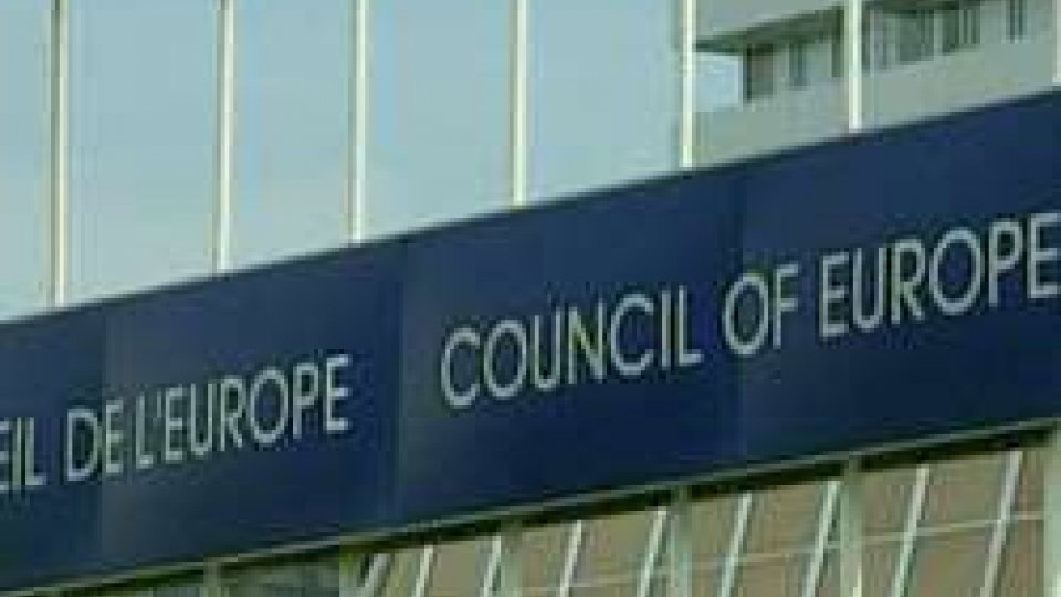 Rapporto ECRI: botta e risposta tra DC e Adesso.sm