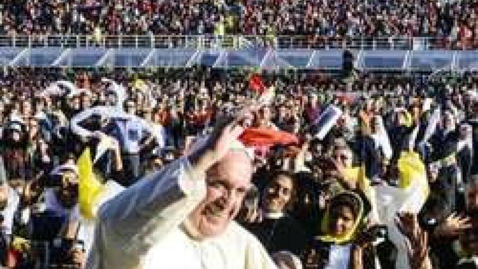"""Il Papa fa esplodere il Franchi: """"No all'ossessione del potere"""""""