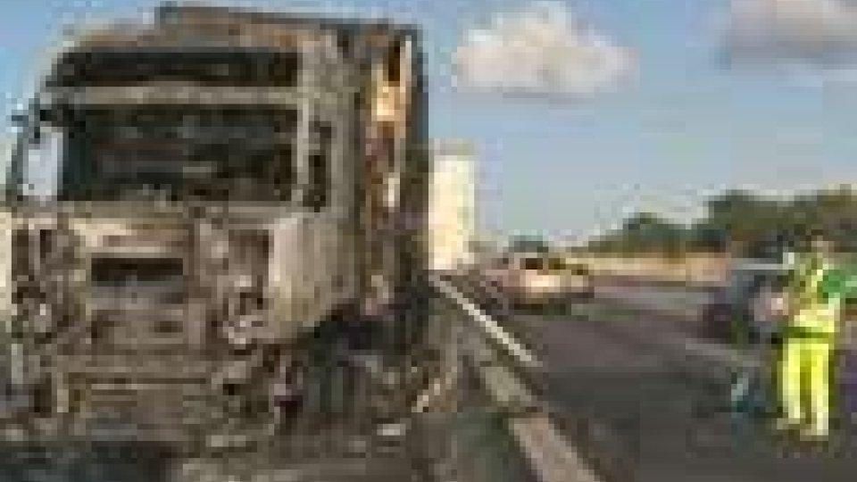 A14: incidente tra i due caselli di Rimini. Traffico bloccato