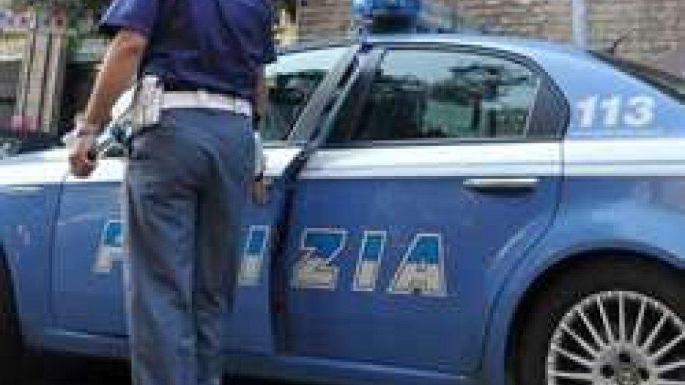 """Rimini, arrestato ventunenne """"esibizionista"""""""