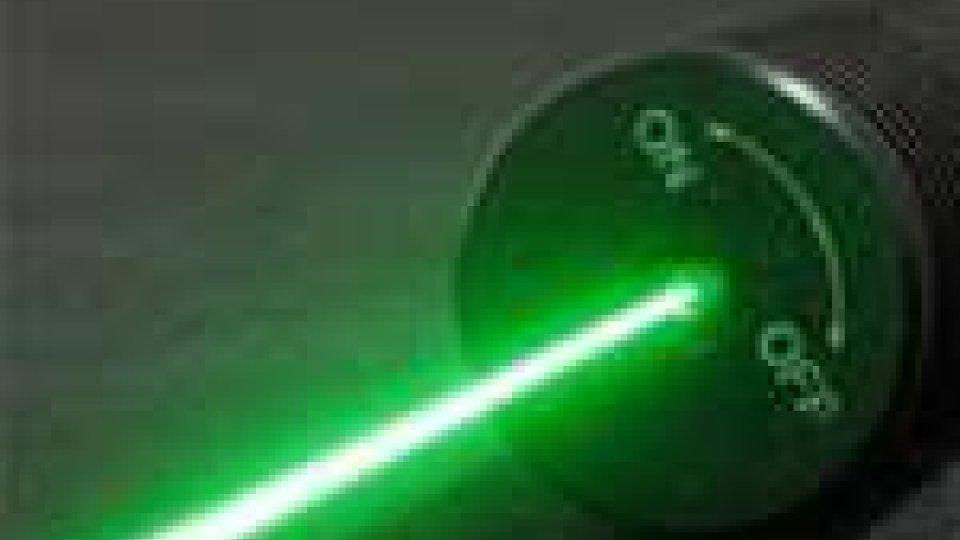Sequestrati 7.000 puntatori laser