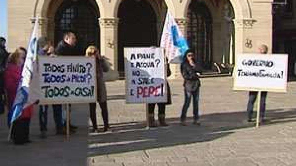 """San Marino - Todos: i dipendenti su Piazza della Libertà al grido """"vergogna"""""""