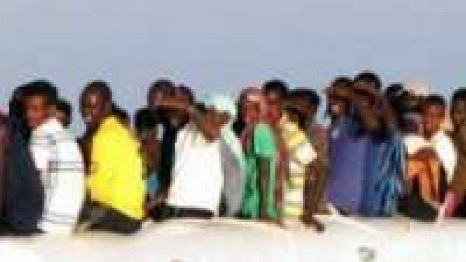 Malesia: 40 indonesiani dispersi in naufragio imbarcazione