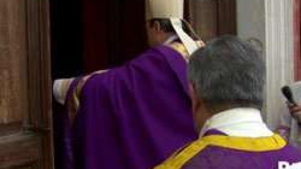 Pennabilli: Monsignor Turazzi ha aperto la Porta SantaPennabilli: Monsignor Turazzi ha aperto la Porta Santa
