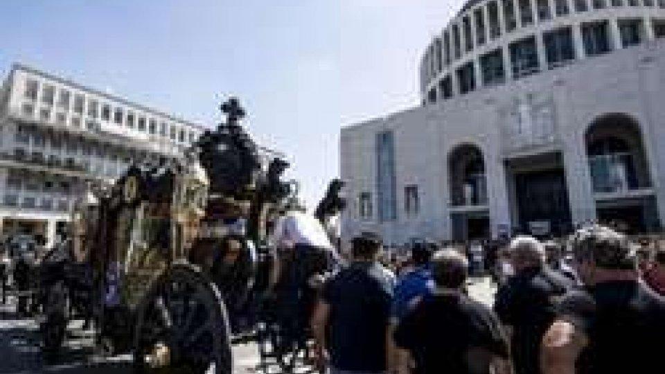 Funerale da Padrino per il boss di Casamonica: scoppia il caso