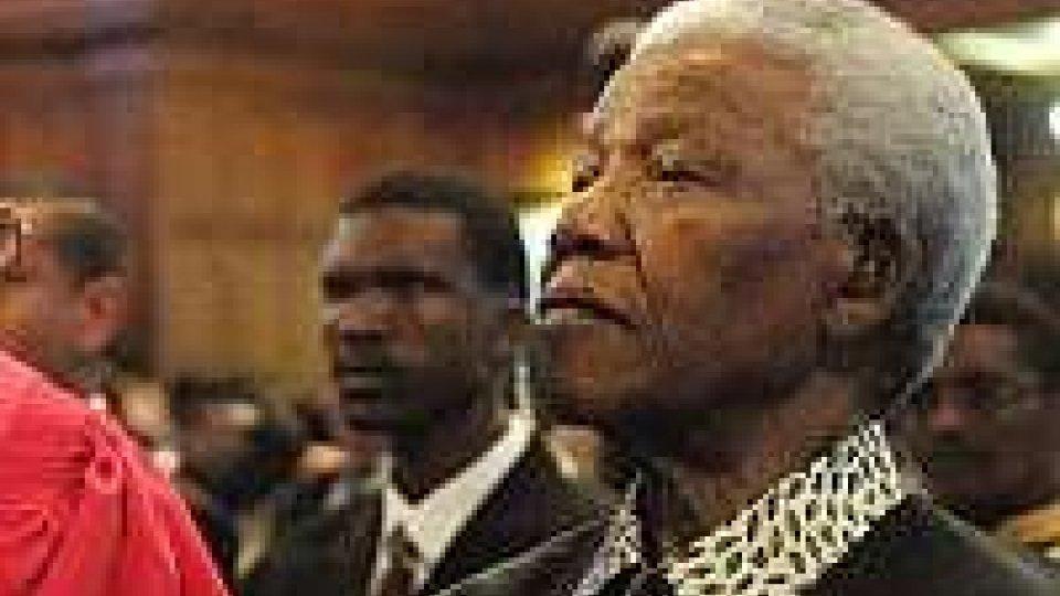 Il nobel per la pace Mandela in ospedale