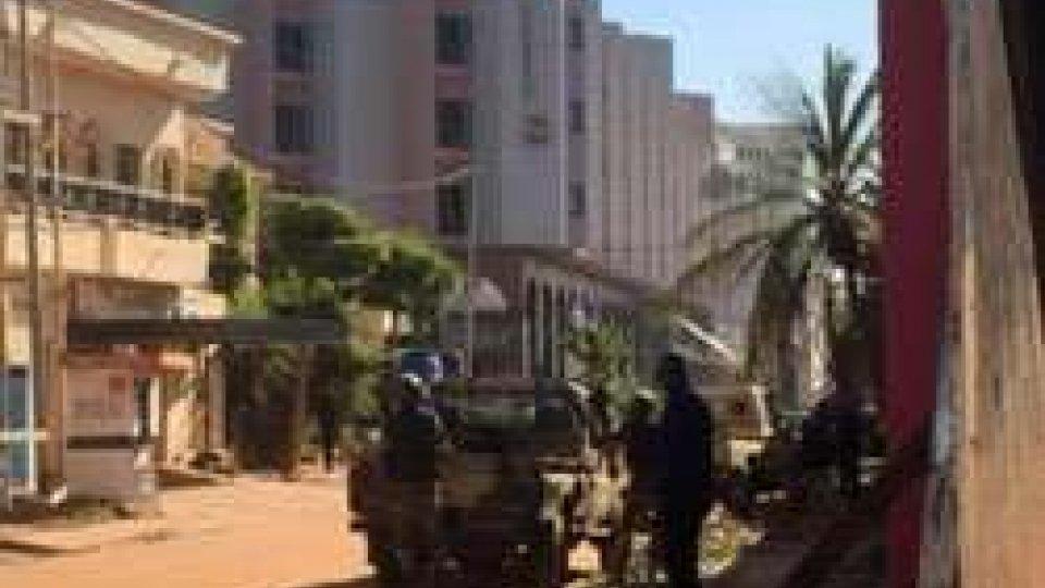 Mali: sparatoria in hotel, almeno 170 persone in ostaggio