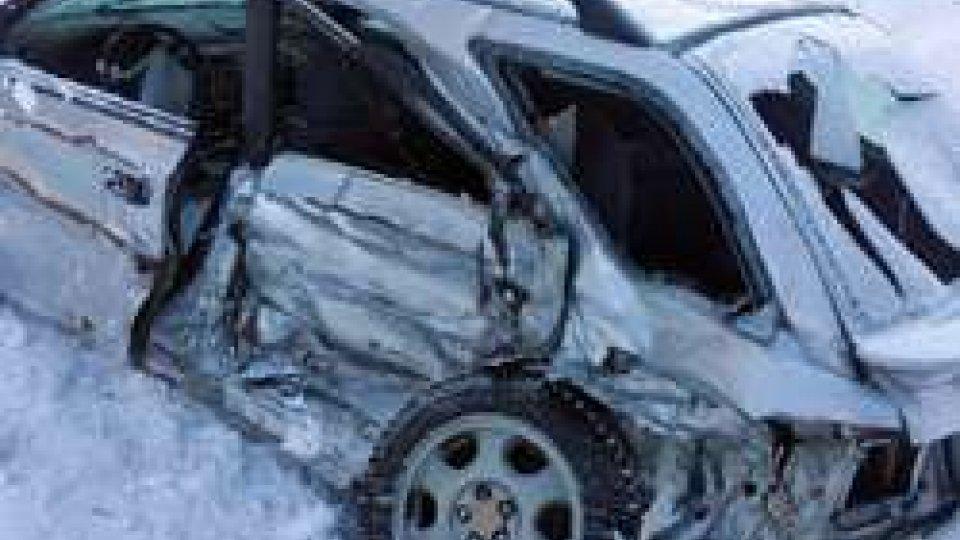 Subaru incidentataFiorentino: incidente tra due vetture, auto distrutte