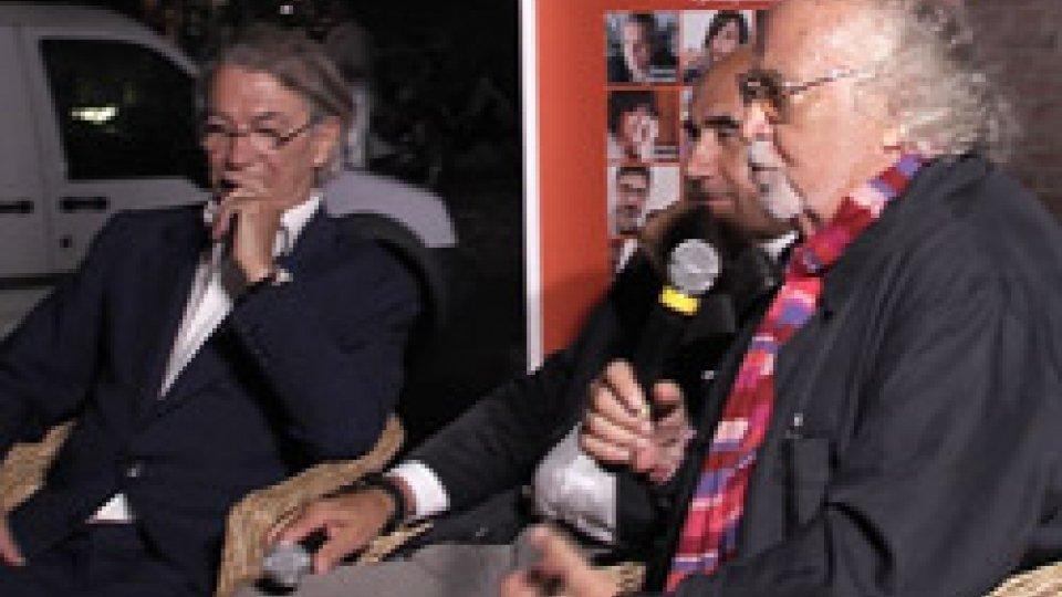 """Presentazione del libro """"Moratti-Inter, album di famiglia""""Moratti-Inter, album di famiglia: grande successo a Cervia per la presentazione del libro di Italo Cucci. Ospite Massimo Moratti"""