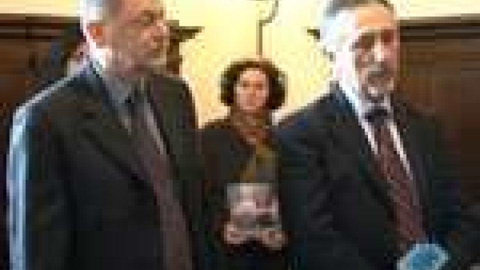 San Marino - I volontari Avsi dai Reggenti per presentare la campagna Tende di NataleI volontari Avsi dai Reggenti per presentare la campagna Tende di Natale