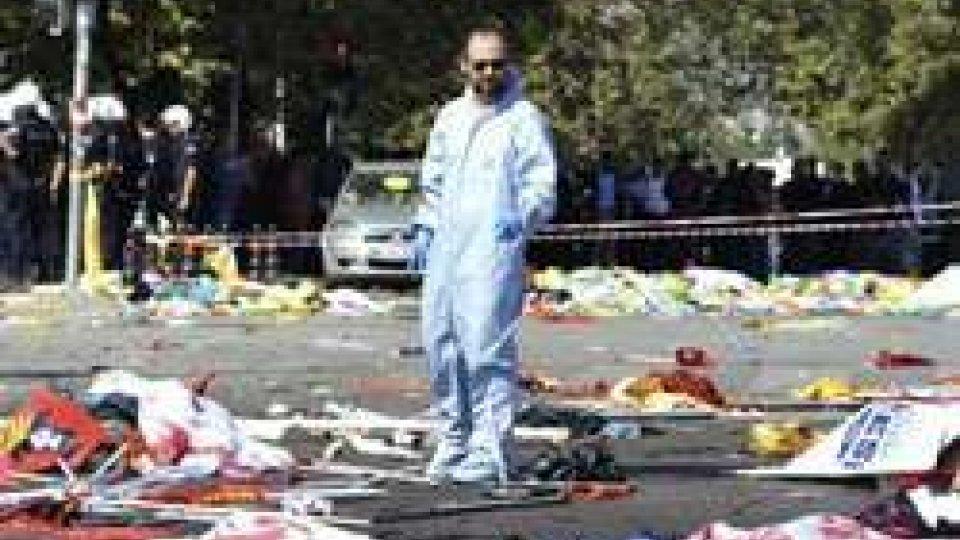 """Strage di Ankara, Gentiloni: """"E' l'11 settembre turco"""""""