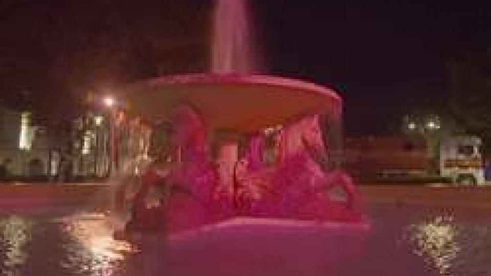 fontana 4 cavalliRimini: arriva la Notte Rosa su 110 chilometri di costa