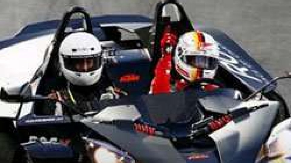 Sebastian Vettel trionfa alla Race of Champions