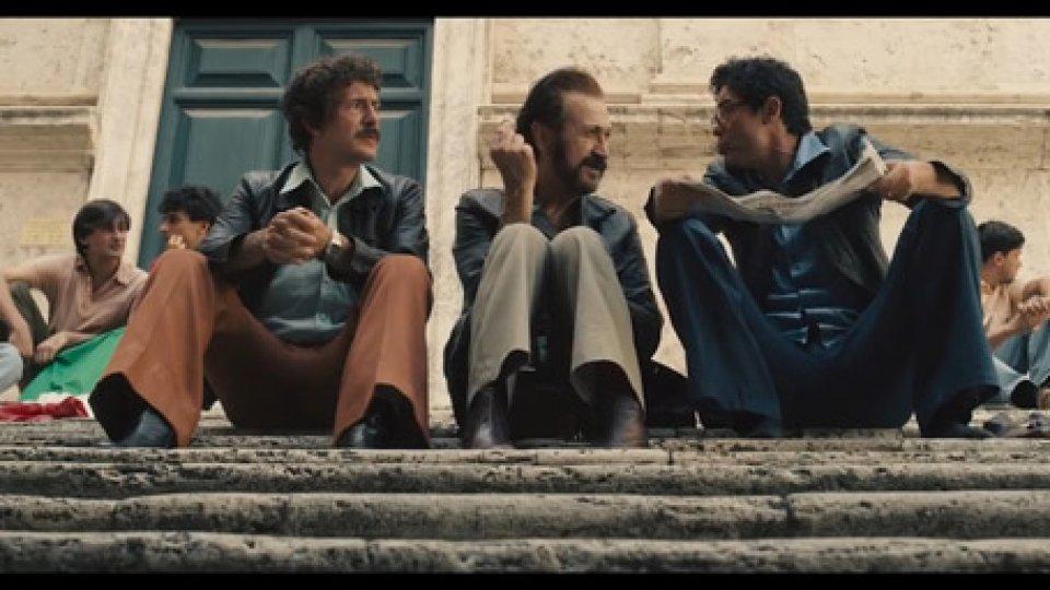 """""""NON CI RESTA CHE IL CRIMINE""""Romanzo criminale alla Zemeckis: Rai Cinema in commedia alla romana"""