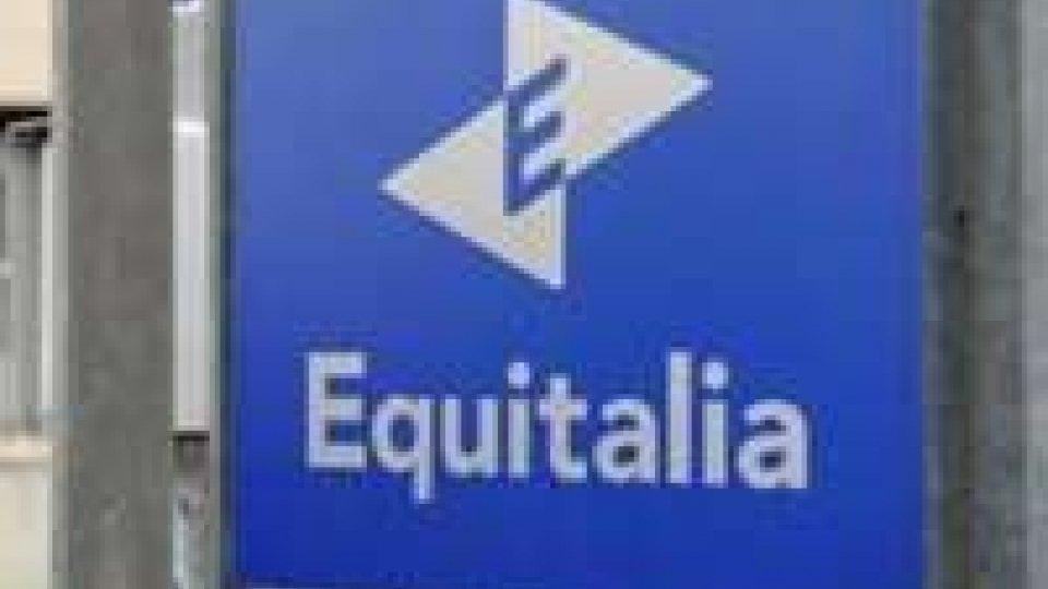 Manichino impiccato a Rimini: protesta contro Equitalia