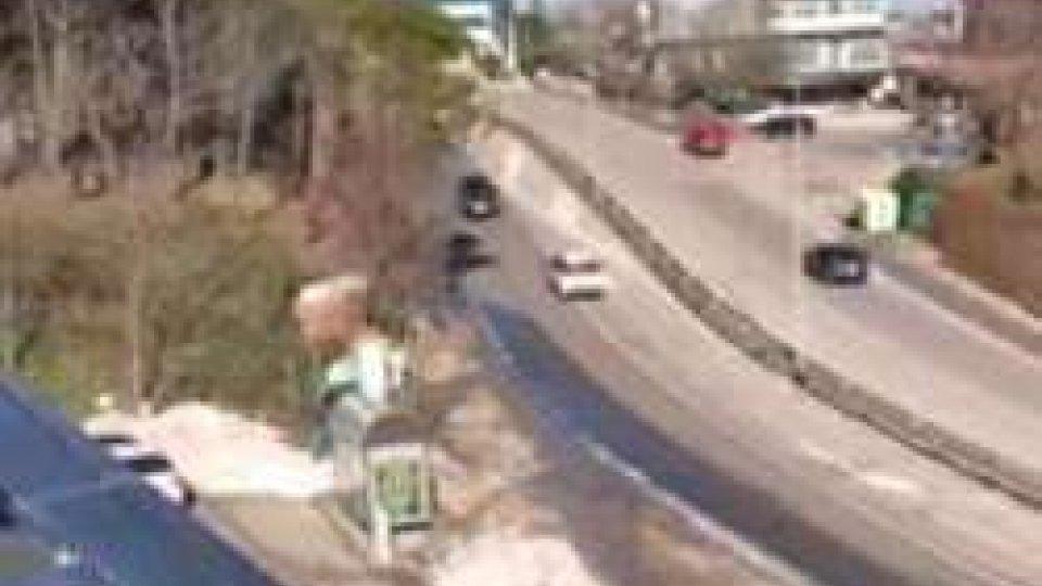 In Superstrada contromano, il video diventa viraleSan Marino. In Superstrada contromano, il video diventa virale [IL VIDEO]
