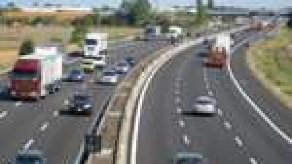 A14: incidente a Rimini nord. Coinvolti due motociclisti tedeschi