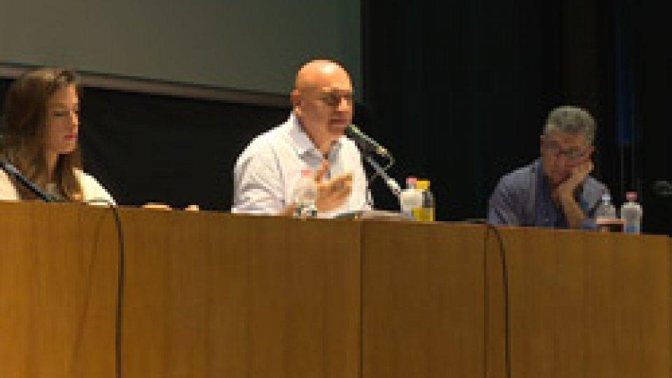 L'assembleaBanche: dipendenti del settore riuniti in assemblea; chiesto un incontro con il Congresso di Stato