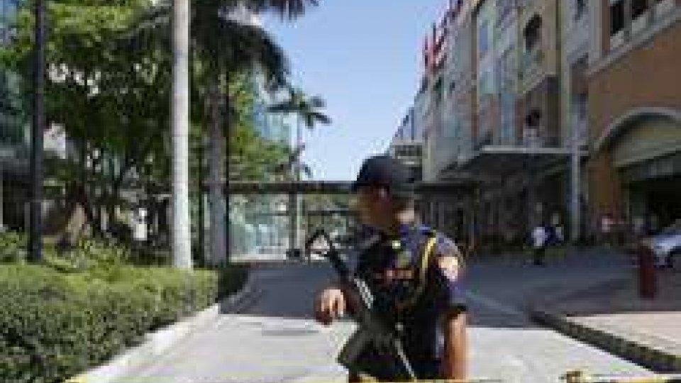 Filippine: l'assalitore del Resort di Manila aveva debiti di gioco
