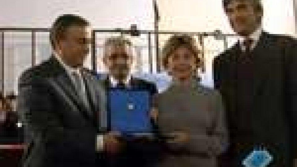 A Rimini il sindaco Alberto Ravaioli ha consegnato i Sigismondo d'Oro 2010A Rimini il sindaco Alberto Ravaioli ha consegnato i Sigismondo d'Oro 2010