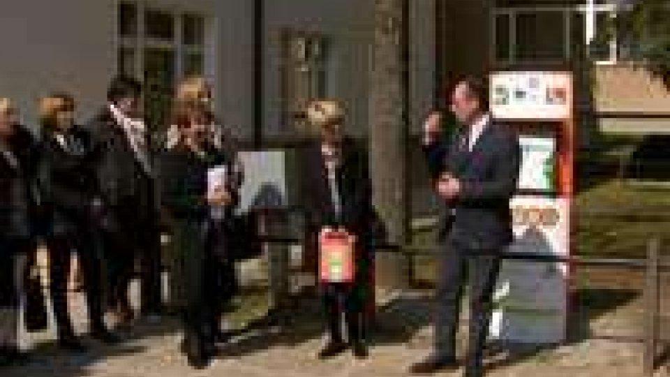 Scuole Medie Fonte dell'Ovo: inaugurazione del totem defibrillatore donato dal Soroptimist Club