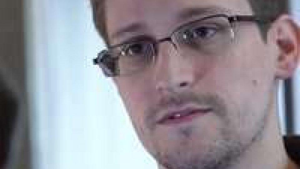Datagate: Snowden in volo per Mosca