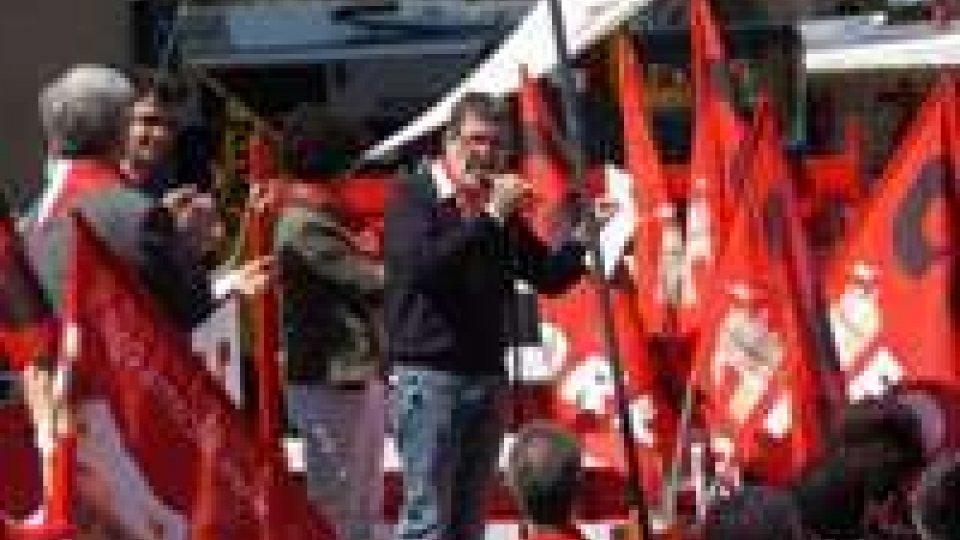 Scioperano i dipendenti della Croce Italia Marche, nell'incertezza da mesi di uno salario regolare