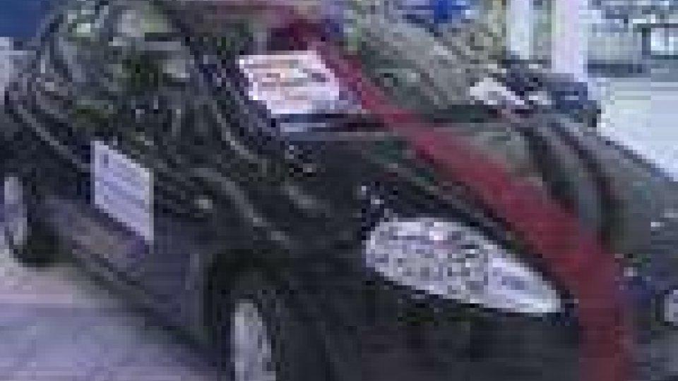 La Fiat Punto, primo premio ala lotteria