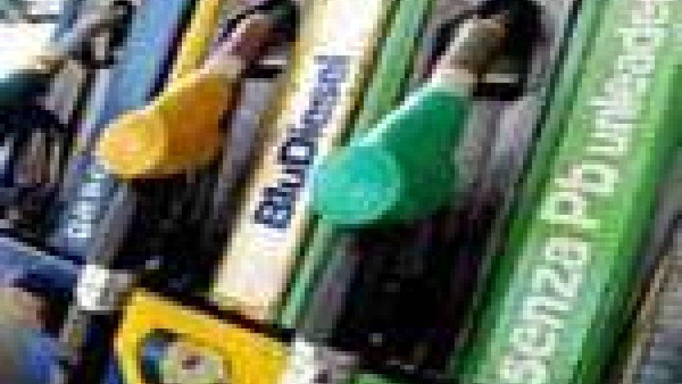 Arrivano i ribassi sulla rete carburanti