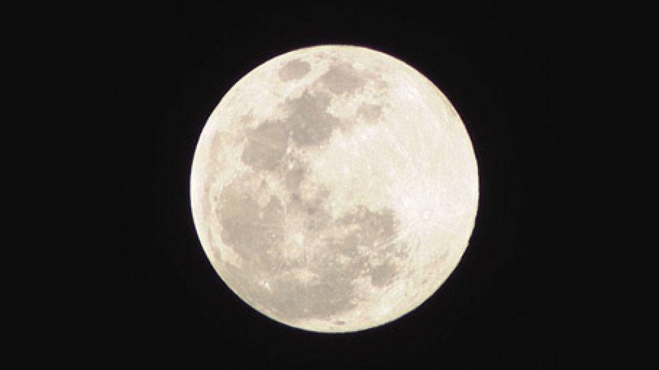 La luna di ieri seraLo spettacolo della Superluna