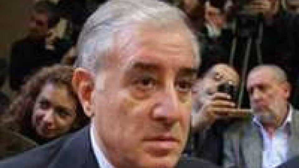 Mafia: condannato a 7 anni Dell'Utri, procura chiede arresto