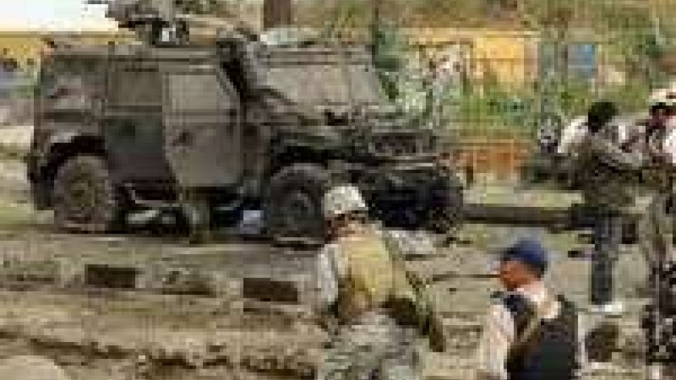 Afghanistan: attacco a base Isaf. 17 morti