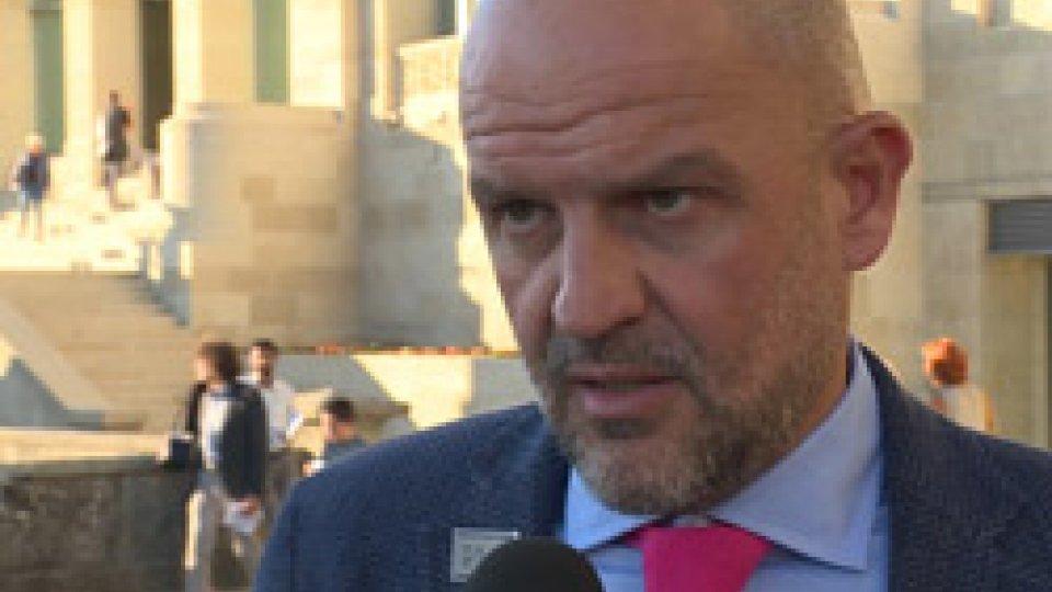 """Il Segretario di Stato alla Cultura Marco PodeschiGalleria Nazionale San Marino: Marco Podeschi, """"in momenti difficili la cultura è molto importante"""""""