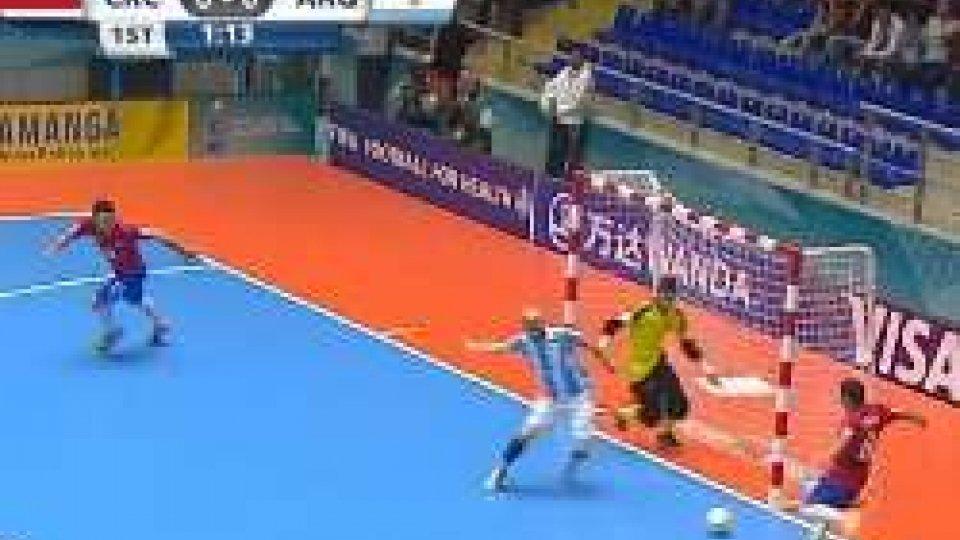 Mondiali Futsal, chiusi i gironi: Spagna ok, pari per l'Argentina. Italia-Egitto agli ottaviMondiali Futsal, chiusi i gironi: Spagna ok, pari per l'Argentina. Italia-Egitto agli ottavi