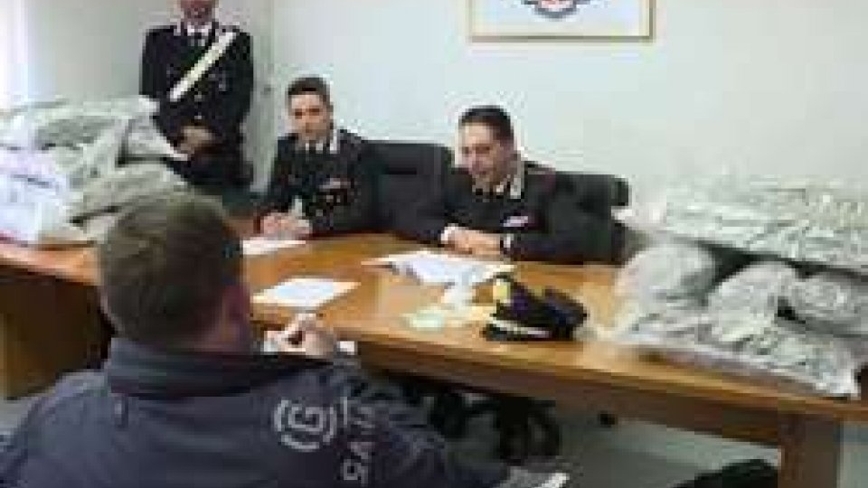 CarabinieriRimini: cc sequestrano 300 mila euro di droga