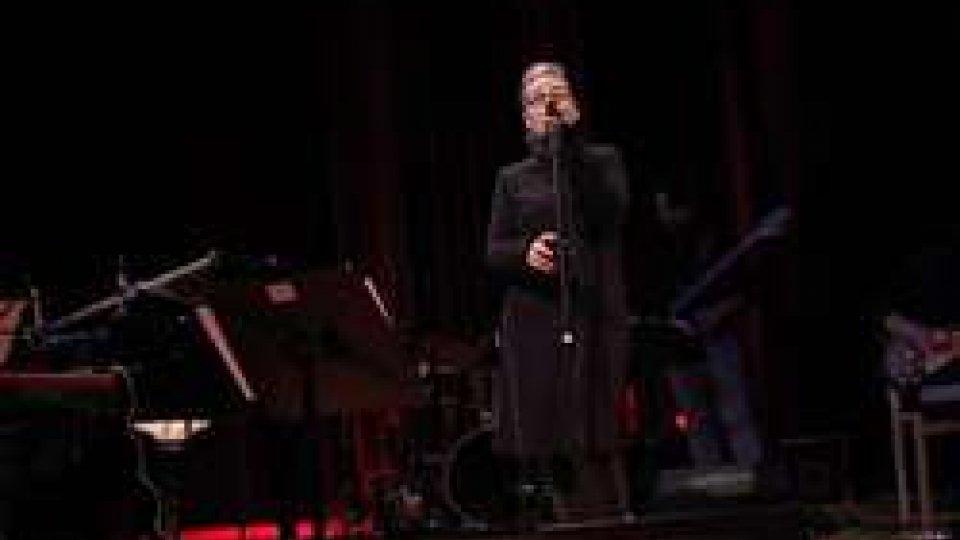 "Valentina Monetta""insopportabile"" MONETTA: CantaMina in teatro"