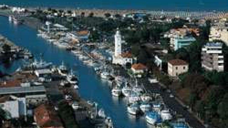 Porto Rimini: finanziere del nucleo sommozzatori sventa suicidio di un uomo