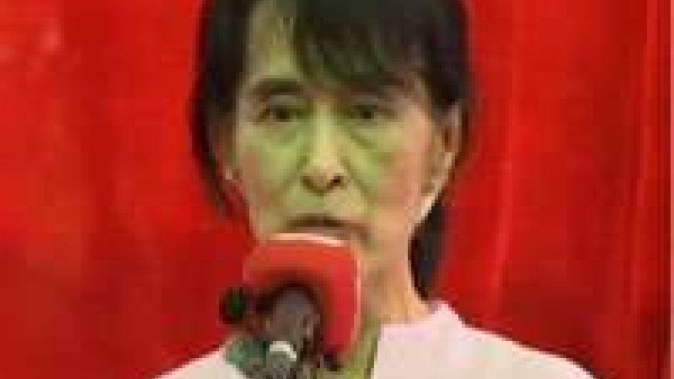 Myanmar. Aung San Suu Kyi boicotta cerimonia inaugurale parlamento birmano