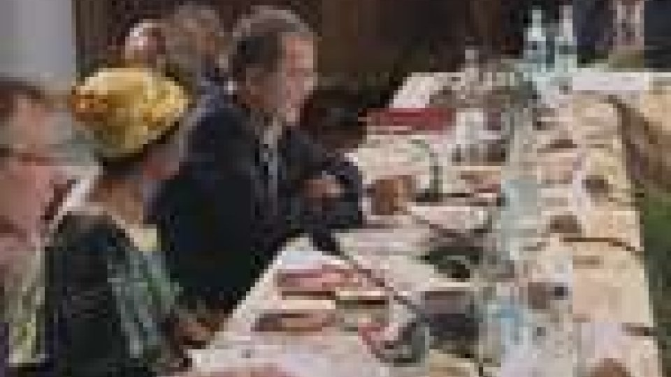 Africa: Prodi riunisce a Bologna capi di Stato, esperti e diplomatici per parlare di sviluppoAfrica: Prodi riunisce a Bologna capi di Stato, esperti e diplomatici per parlare di sviluppo
