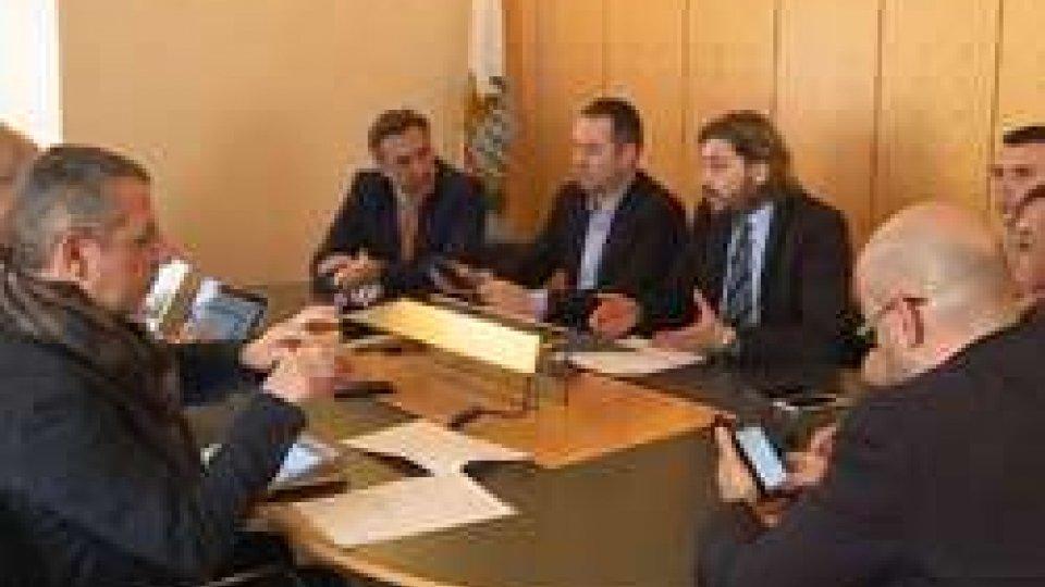 """La conferenza stampa delle opposizioniL'opposizione chiede la consegna della """"presunta relazione"""" Savorelli e tutti gli atti su Carisp ed Asset"""