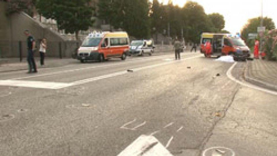 incidente mortaleRiccione: tragico scontro tra moto e bici, muoiono un 42 enne di San Giovanni e un pensionato lombardo