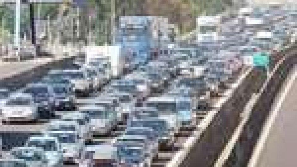 Rientro dalle vacanze: traffico intenso sulle autostrade