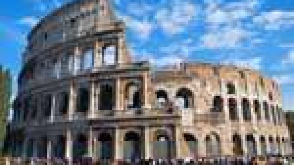 Allarme crolli al Colosseo