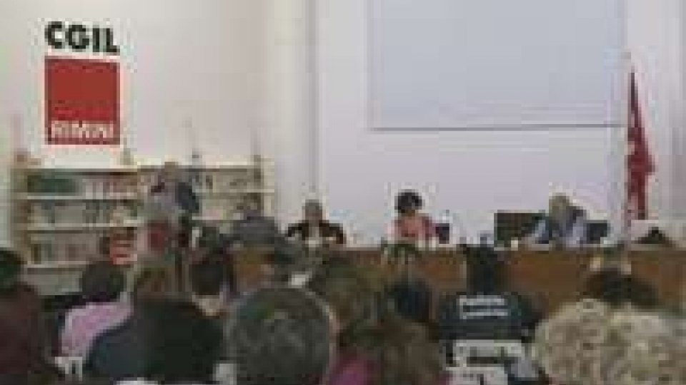Riforma PA: sindacati italiani e dipendenti del pubblico uniti nella richiesta di rinnovo del contratto di lavoroRiforma PA: sindacati italiani e dipendenti del pubblico uniti nella richiesta di rinnovo del contratto di lavoro