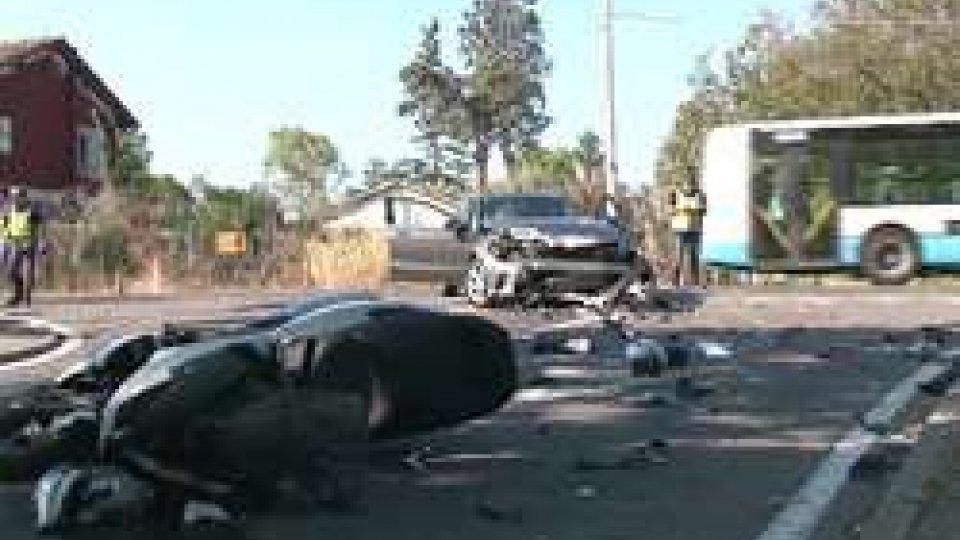 Incidente a Miramare di RiminiIncidente a Miramare di Rimini: muore un ragazzo di 33 anni in sella ad uno scooter