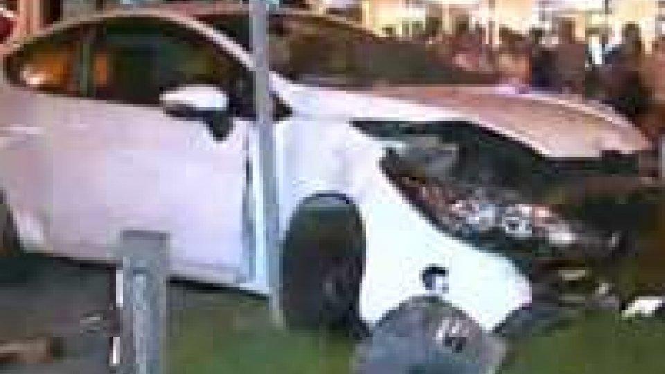 Auto impazzita in via Tripoli: si indaga ancora per stabilire la dinamica