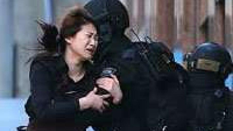 Sidney, blitz della polizia in Cioccolateria Lindt: 2 morti (fra cui il sequestratore) e almeno 4 feriti