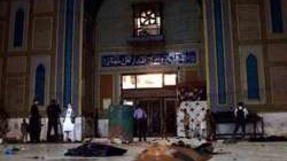 Attentato al tempio sufi nel Sindh